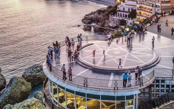 Visitar en Nerja el Balcón de Europa