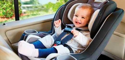 taxi nerja con sillitas y alzadores para niños